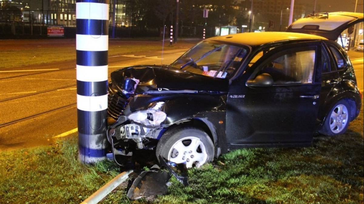 Manchester City striker Sergio Aguero injured in vehicle crash in Amsterdam