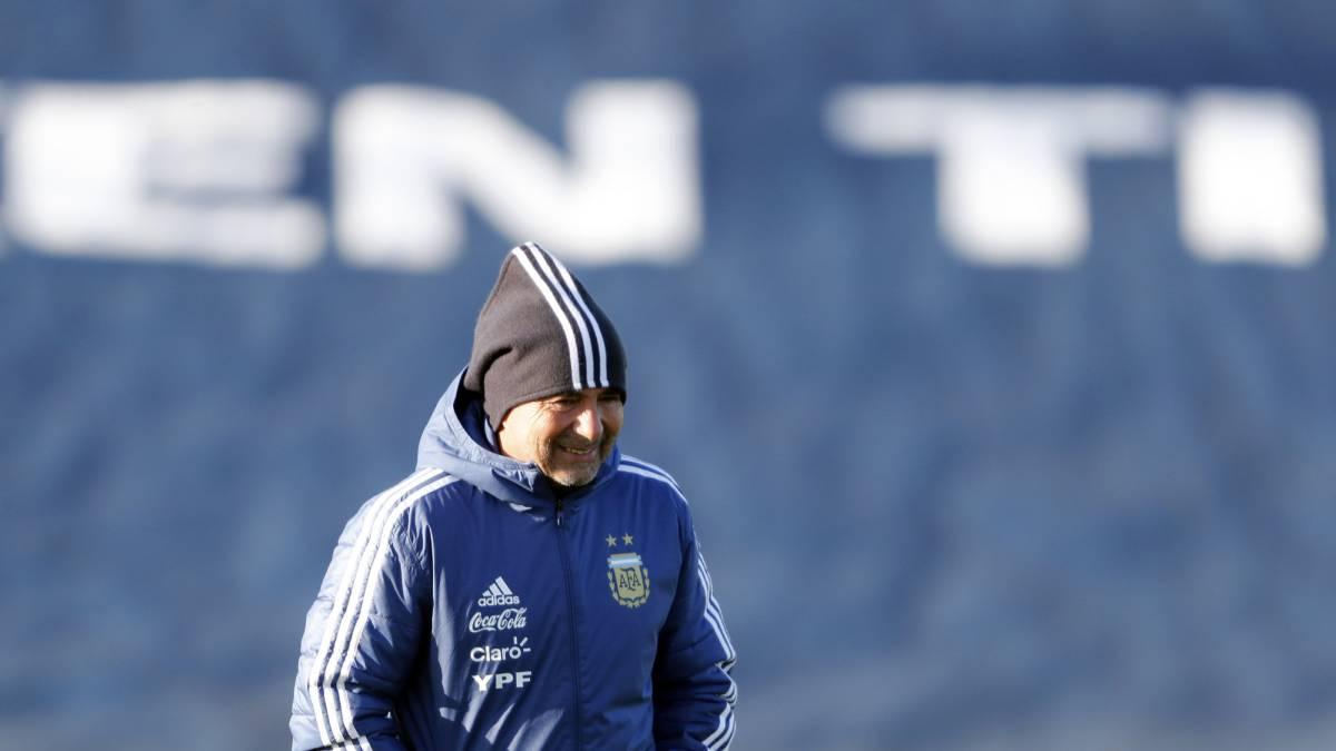 Sampaoli espera por Messi y piensa en Italia