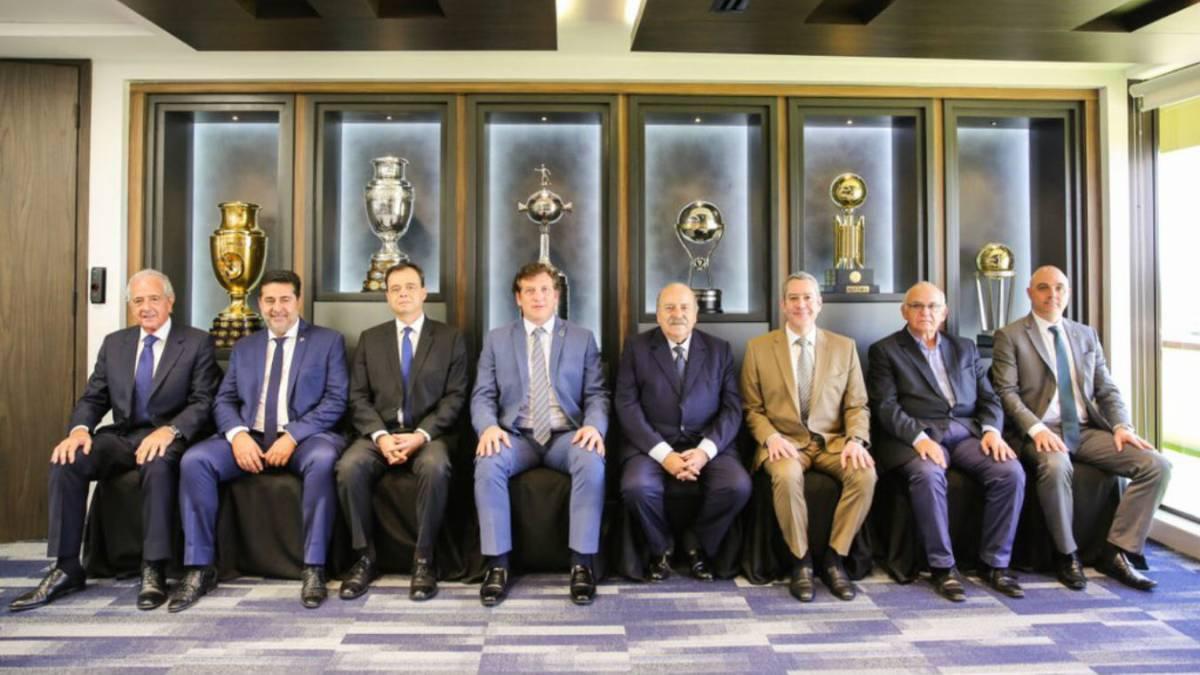 Las semifinales de la Copa Libertadores ya tienen árbitros designados