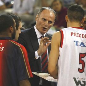 Dusco nominado mejor entrenador de la temporada. B_MEJOR_2009_b_Ivanovic