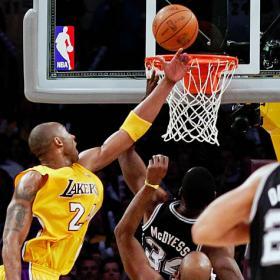 Los Spurs apuntillan a los Lakers y LeBron, 51 puntos