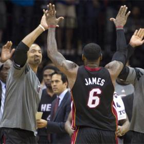James acabó vitoreado por los aficionados de los Nets