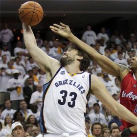 Marc Gasol mantiene con vida a los Grizzlies