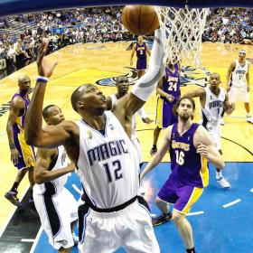 Dwight Howard jugará en los Lakers con Gasol