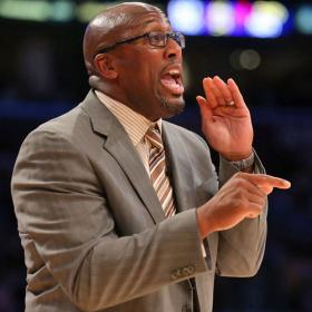 Se acab la paciencia de los Lakers: Mike Brown, despedido