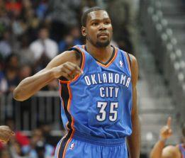Kevin Durant lleva a los Thunder a 12 triunfos seguidos