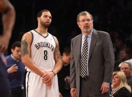 Parker y los Spurs sacan los colores a los Nets de Carlesimo
