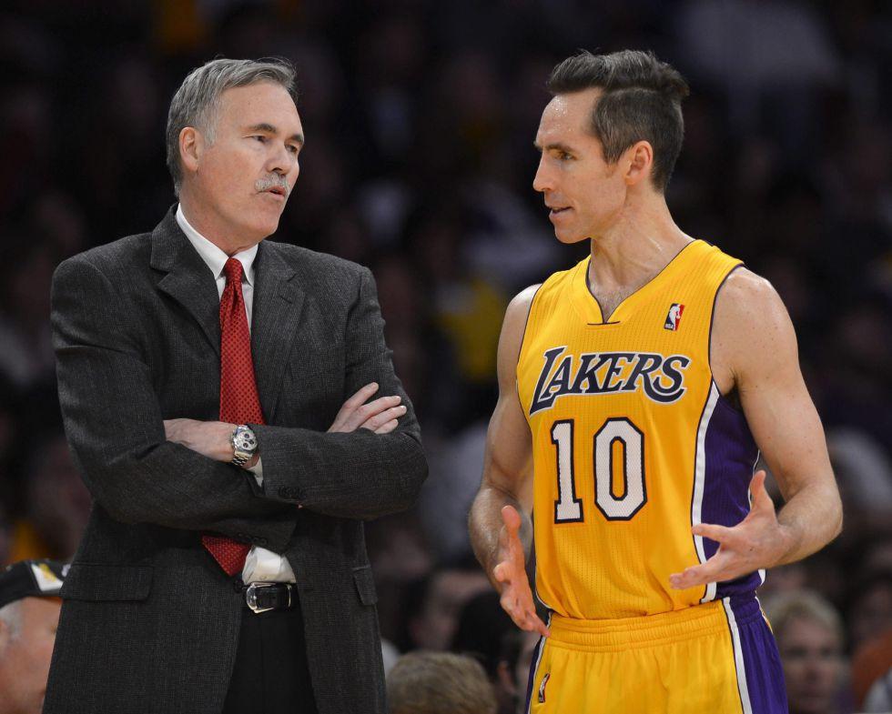 Los Lakers empiezan el año con derrota en casa ante los Sixers