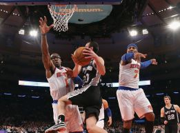 Anthony, Smith y Prigioni cortan la racha triunfal de los Spurs