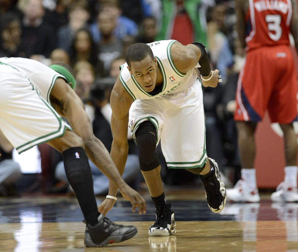 Rondo logra un triple-doble y ganan los Boston Celtics