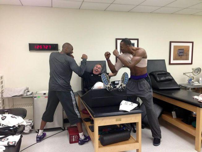 Kobe Bryant y Dwight Howard se burlan de los rumores