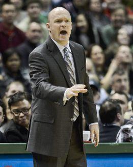 Skiles deja el puesto de entrenador de los Bucks