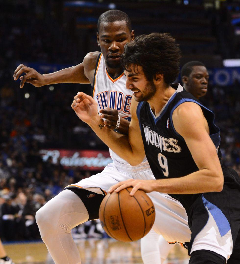 Durant y Westbrook doblegaron a los Timberwolves de Rubio