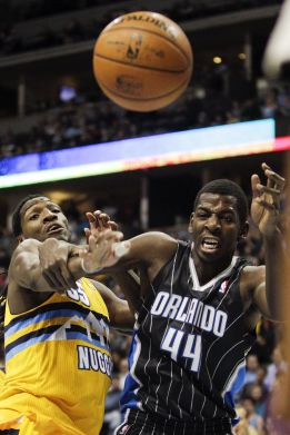 Faried logra un doble-doble y los Magic se siguen hundiendo