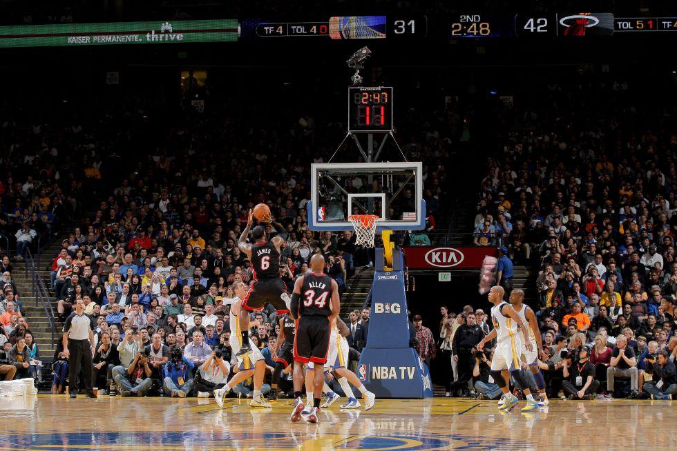 LeBron James es el más joven en llegar a los 20.000 puntos