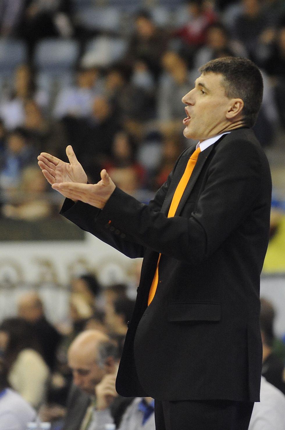 El Valencia Basket obligado a ganar un partido al Uxue Bilbao