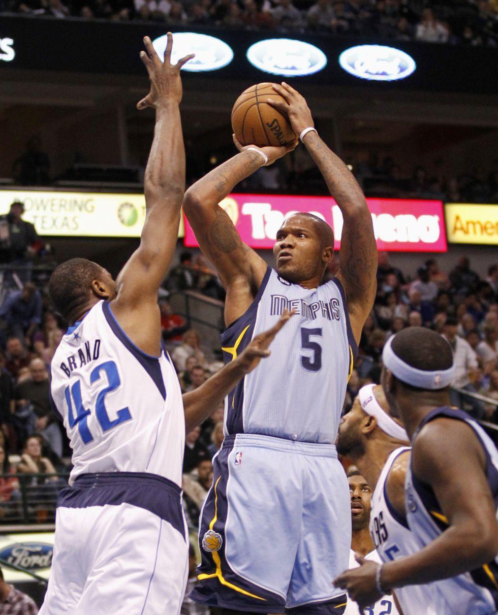 Memphis traspasa a Speights y Ellington para reducir gastos