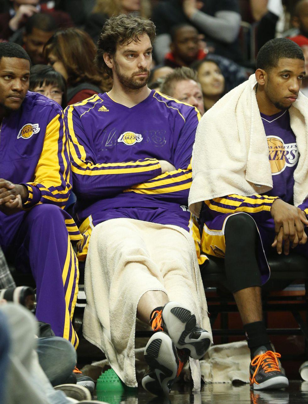 D'Antoni hace suplente a Gasol en los Lakers y huele a traspaso