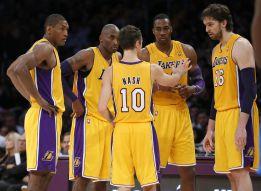 Bryant se viste de Nash para sacar a los Lakers del coma