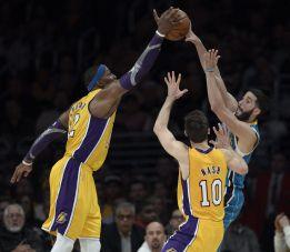 Tercera victoria consecutiva de los Lakers de Pau Gasol