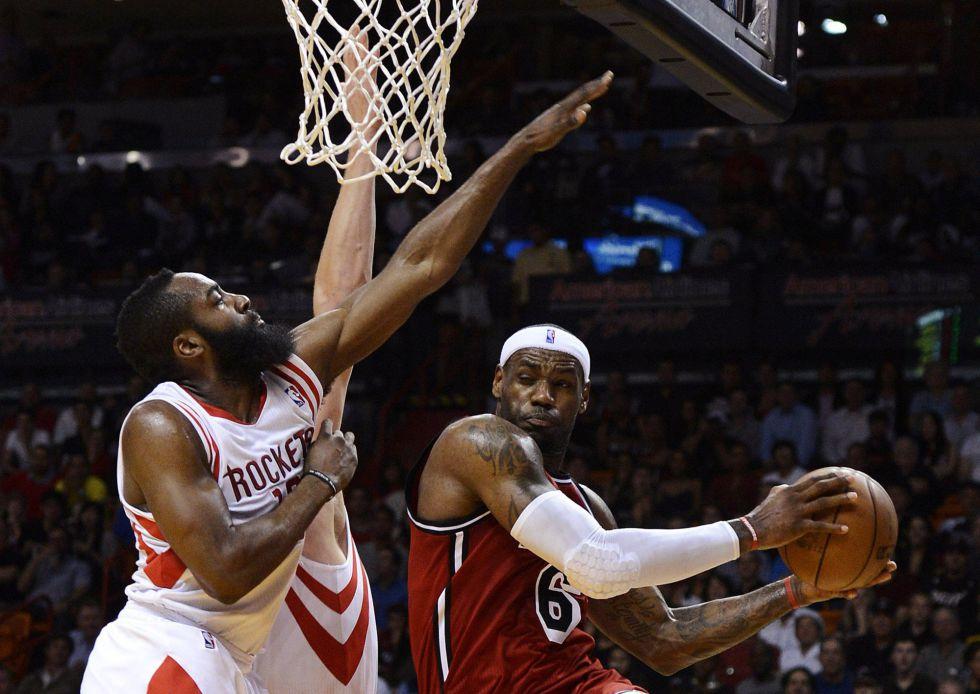 James llega a los 5.000 puntos con los Heat frente a Houston