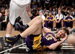 Los Lakers confirman que Gasol será baja de 6 a 8 semanas
