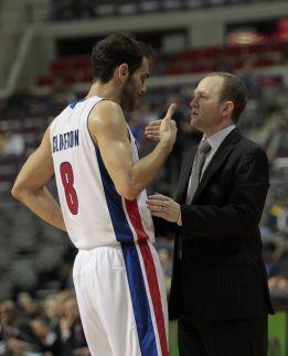 Calderón regala su mejor actuación con los Pistons