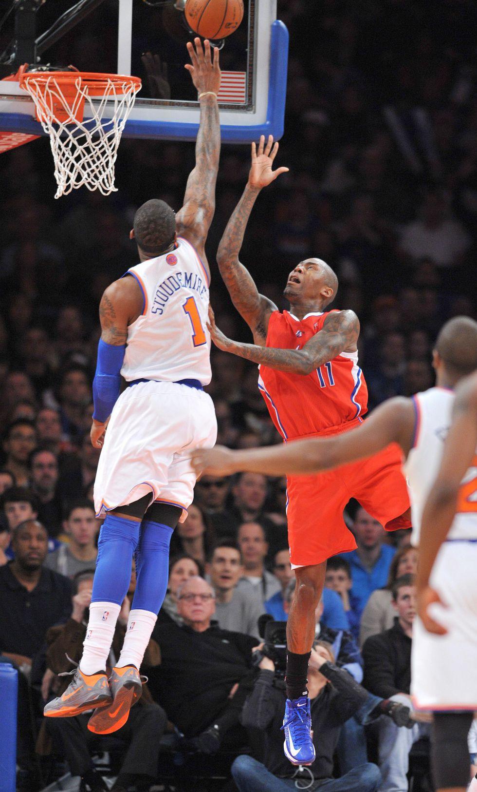 Los Clippers se sobreponen a los 42 puntos de Carmelo Anthony