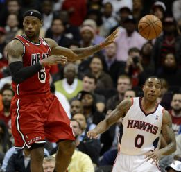 James logra un doble-doble y los Miami Heat ganan otra vez