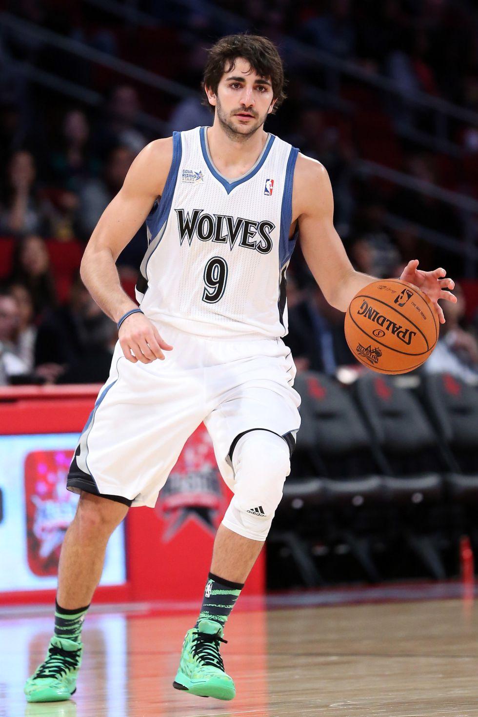 Pekovic igualó marca y Rubio dirigió el triunfo de los Wolves