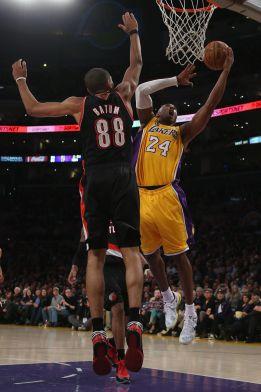 Los 40 puntos de Kobe Bryant rescatan a los Ángeles Lakers