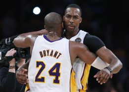 Los Lakers regresan a playoffs