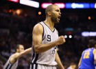 Spurs y Pacers, a un solo triunfo de apear a Warriors y Knicks