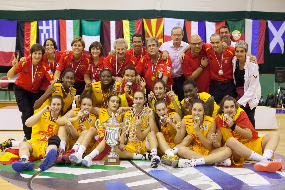 Las chicas de la sub 16 suman el tercer oro del verano - Las chicas de oro espana ...