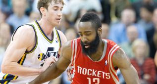 Williams y Hayward aprovechan la floja defensa de Rockets
