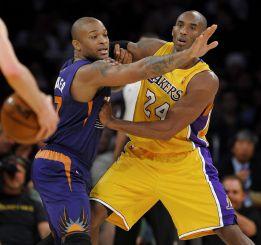 Kobe Bryant sigue mejorando y los Lakers siguen perdiendo