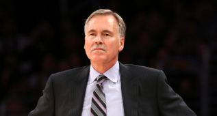 Los Lakers descartan despedir a D'Antoni esta temporada