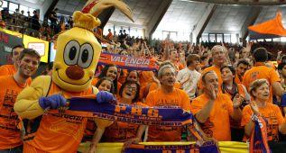 Un centenar de aficionados viaja con el Valencia a Kazán