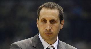 David Blatt ante su mayor reto: dirigir a LeBron James