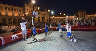 Sevilla celebra la llegada de la Copa del Mundo