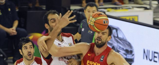 Con los Gasol al frente, España pasa por encima de Irán