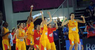 España entrega el dossier para optar al Mundial femenino 2018