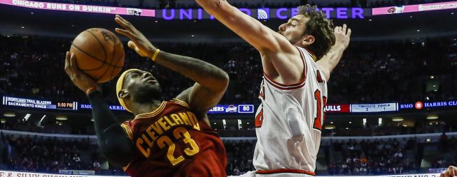 Los Cavs del rey James toman el United Center de Chicago