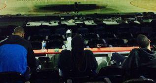 Nada mejor que un FIFA15 en el marcador gigante del pabellón