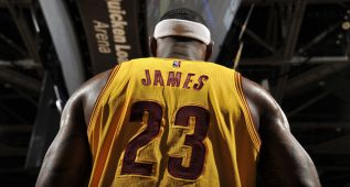 LeBron James y Klay Thompson, jugadores de la semana NBA