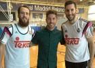 Sergio Ramos visitó a sus compañeros del baloncesto