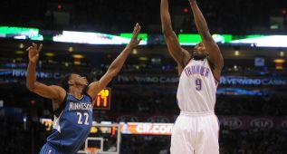 Ibaka y Westbrook salvan a unos Thunder que jugaron sin Durant