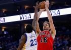 Pau Gasol roza el triple-doble y los Bulls ganan en Oakland