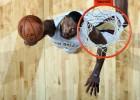 Los Pelicans caen a pesar de Evans (25) y Davis (24)