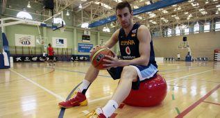 Claver quiere seguir en la NBA: busca un contrato en EE UU